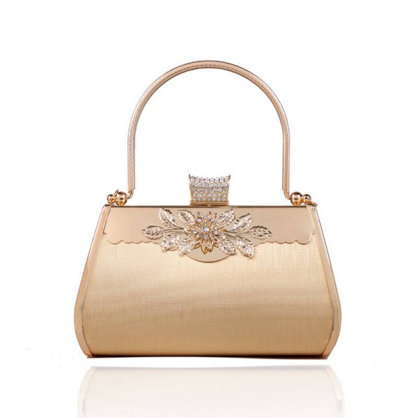 Cute Looking New Fashion Party Handbags To Fit In Your Party Accessories