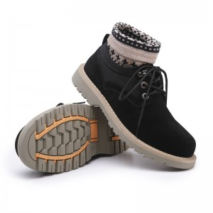 2018 Young Men Handmade Winter Warm Socks Boots Suede Lace Up Fashion Male Shoes Retro Tooling Russian Desert Boots