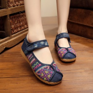 Embroidered Women Shoes Flat Heel Denim Chinese Style Shoes Flip Flops Plus Size Women Shoes