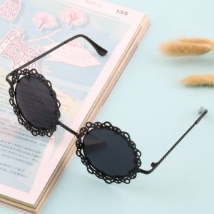 Innovative Ergonomic Women Sunglasses Hollow Out Retro Metal Photochromic Eyewear For Ladies