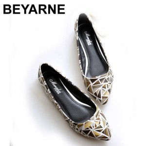 New Women Leather Flats High Quality Chinese Style Casual Pointy Shoes Thumbnail