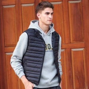 Sleeveless down Jacket Men Brand male autumn Spring Casual Ultralight Down Vest Slim Mens Vest Waistcoat Half Jacket
