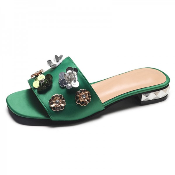 New Summer Womens Slippers Flower Decoration Flat with Leisure Slides Shoes Woman Platform 3 Colors Plus Sizes