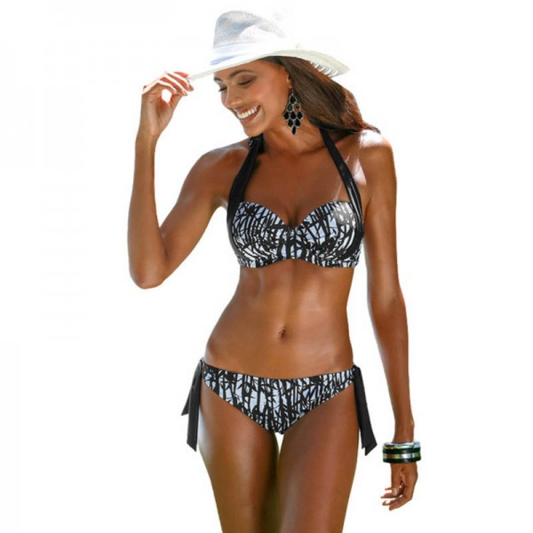 d1cb50fa085 Sexy Striped Two Piece Swimsuit For Ladies Push Up Underwire Bikini Halter  Summer Beach Suits For Female