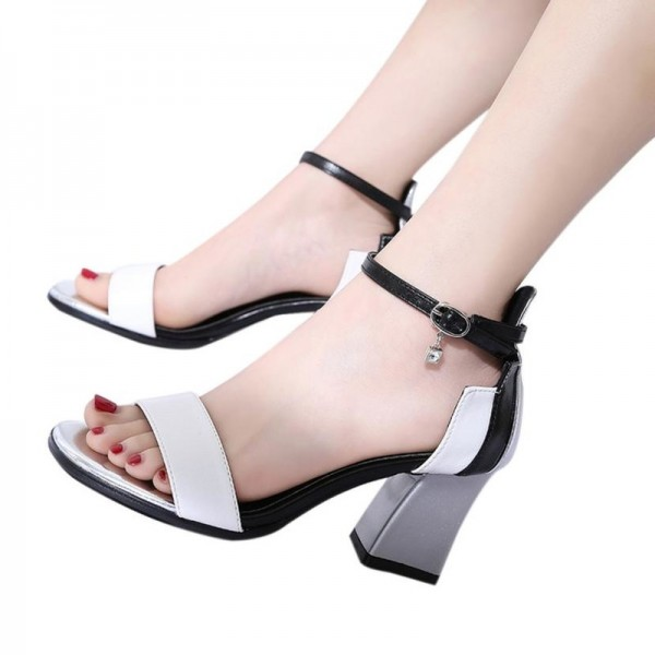 Women Beach Flat Slippers Clip Toe Sandals Rhinestones Rome Gladiator Shoes Mid Heel Shoes For Ladies Extra Image 3